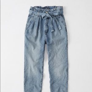 A&F Paperbag Waist Jeans 29 $89